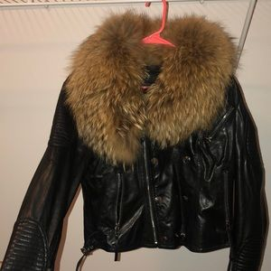 Leather jacket with detachable fur